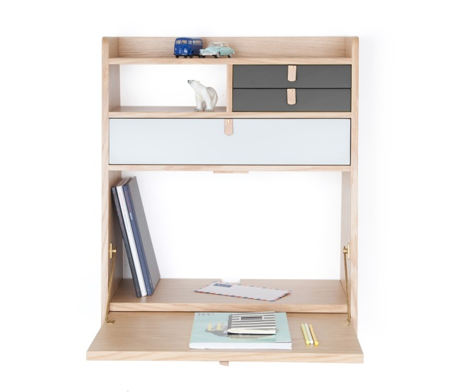 150718-MadeInDesign-Gaston WallmountedDesk-60Wx32Dx72H-£400