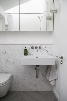 160509-BathroomBasin&Mirror