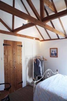 160814-Deal-Bedroom2