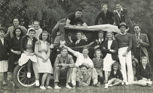 1940s-argentine-lizbottomrightfront