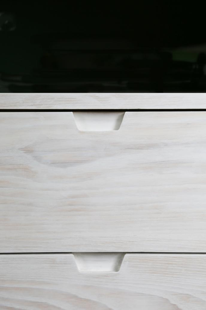 170716-EndOfBedStorage-Detail